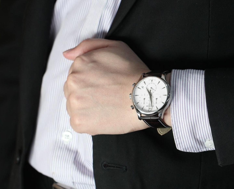 Гарантия 1 год; быстрая доставка в любой населенный пункт россии; подарок от нас в качестве комплимента; шкатулку для часов.